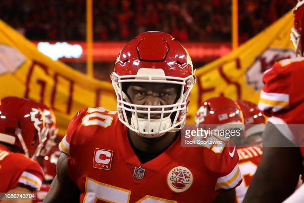 Kansas City Chiefs outside linebacker Justin Houston runs onto the field before the AFC Championship Game game between the New England Patriots and...