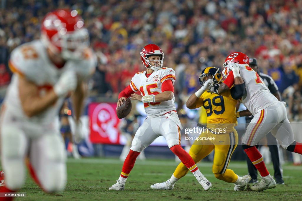NFL: NOV 19 Chiefs at Rams : News Photo
