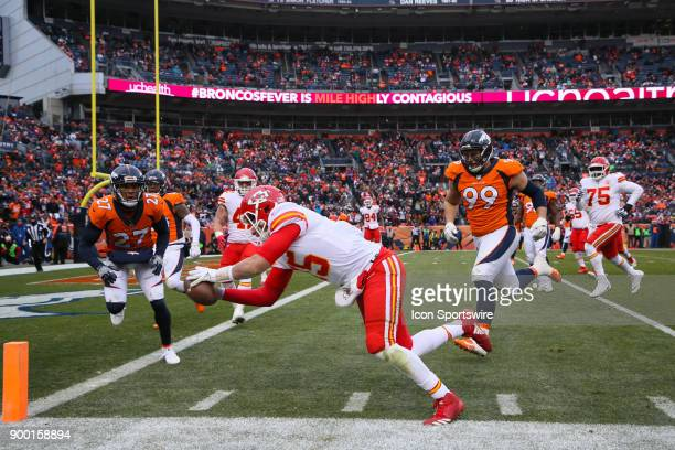 Kansas City Chiefs quarterback Patrick Mahomes steps out of bounds at the 2 1/2 yard line as he dives for the pylon during a game between the Denver...
