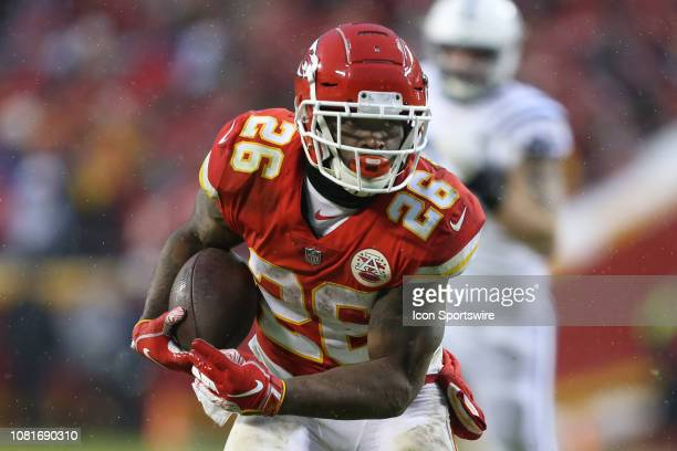 Kansas City Chiefs running back Damien Williams runs after the catch in the second quarter of an AFC Divisional Round playoff game game between the...