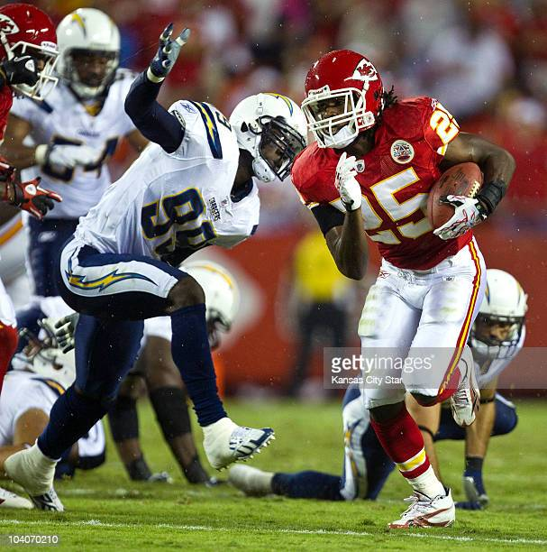 Kansas City Chiefs running back Jamaal Charles runs for a touchdown in the first quarter against the San Diego Chargers at Arrowhead Stadium in...