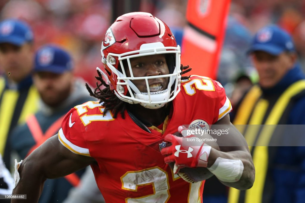 NFL: NOV 11 Cardinals at Chiefs : News Photo