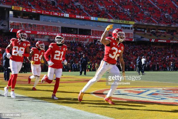 Kansas City Chiefs strong safety Tyrann Mathieu and teammates run onto the field for warmups before the AFC Championship game between the Tennessee...