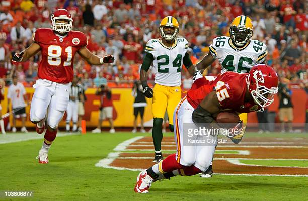 Kansas City Chiefs tight end Leonard Pope catches a 2yard touchdown pass from quarterback Matt Cassel in the first half against the Green Bay Packers...