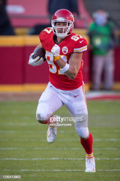 Kansas City Chiefs tight end Travis Kelce heads up field during the second half against the Atlanta Falcons at Arrowhead Stadium in Kansas City,...