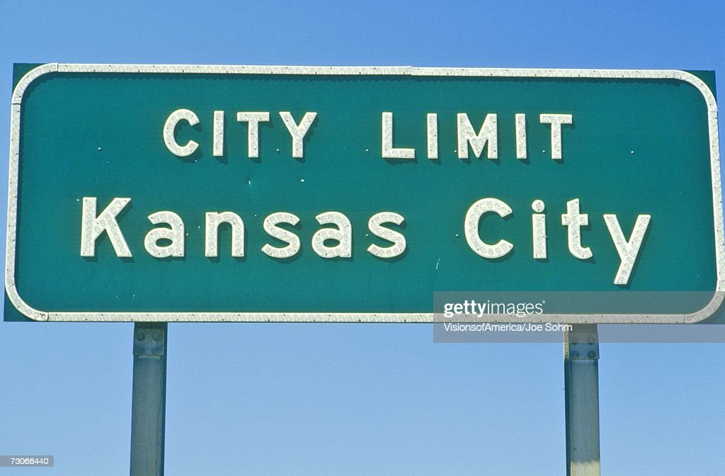 Kansas City City Limit Sign Mo Stock Photo | Getty Images