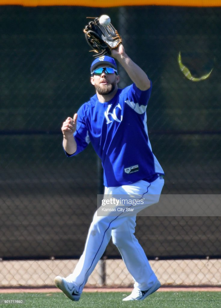 Kansas City Royals outfielder Alex Gordon runs down a fly ball during a spring training workout on Tuesday, Feb. 20, 2018, in Surprise, Ariz.