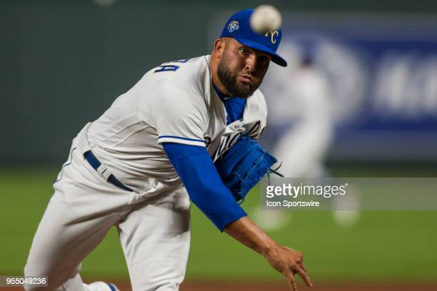 Kansas City Royals Pitcher Kelvin Herrera warms up between innings during the MLB game between the Detroit Tigers and the Kansas City Royals on...