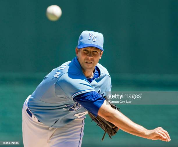 Kansas City Royals starting pitcher Bryan Bullington throws in the first inning against the New York Yankees during a baseball game at Kauffman...