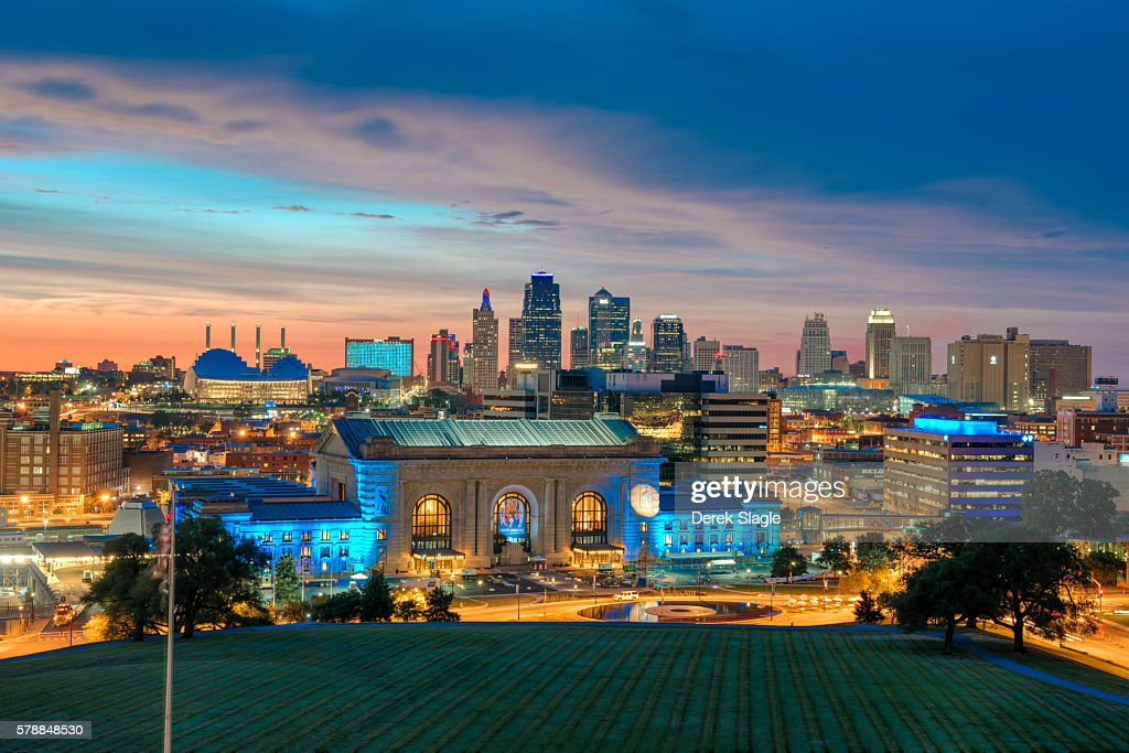 Kansas City skyline at sunset : Stock Photo