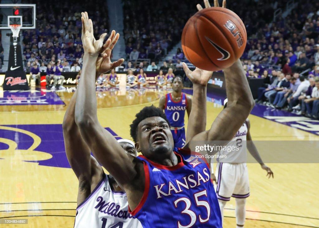 COLLEGE BASKETBALL: FEB 29 Kansas at Kansas State : News Photo