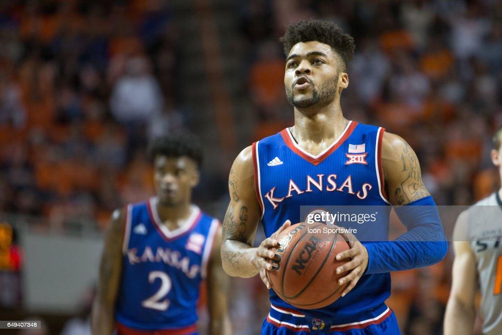 COLLEGE BASKETBALL: MAR 04 Kansas at Oklahoma State : News Photo