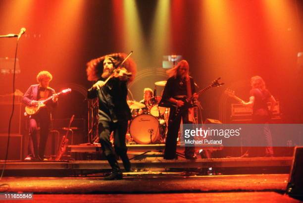 Kansas perform on stage New York LR Rich WilliamsRobby SteinhardtPhil EhartKerry LivgrenDave Hope