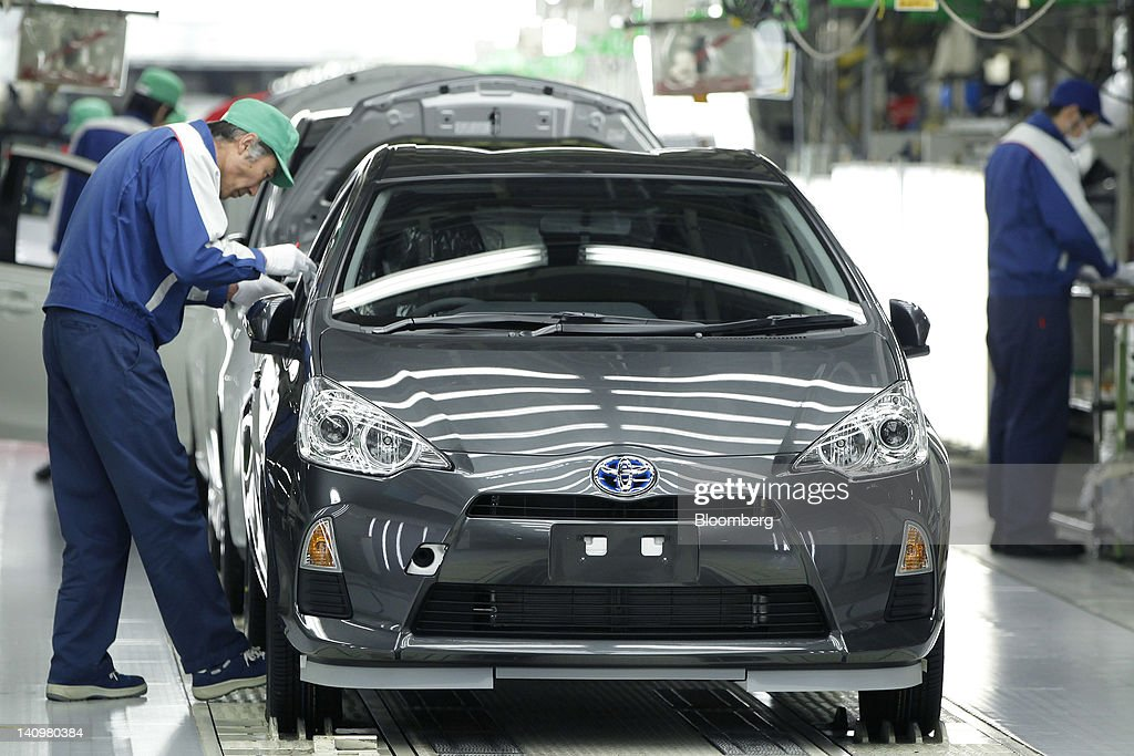 Tour Of Toyota Aqua Hybrid Car Production Line At Kanto Auto Works Iwate Plant News