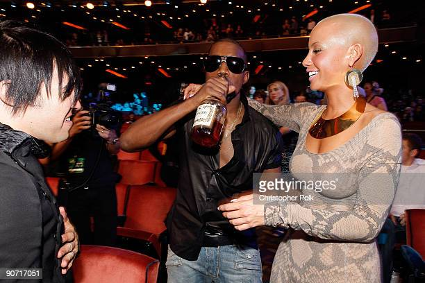 Kanye West and Amber Rose attend the 2009 MTV Video Music Awards at Radio City Music Hall on September 13 2009 in New York City
