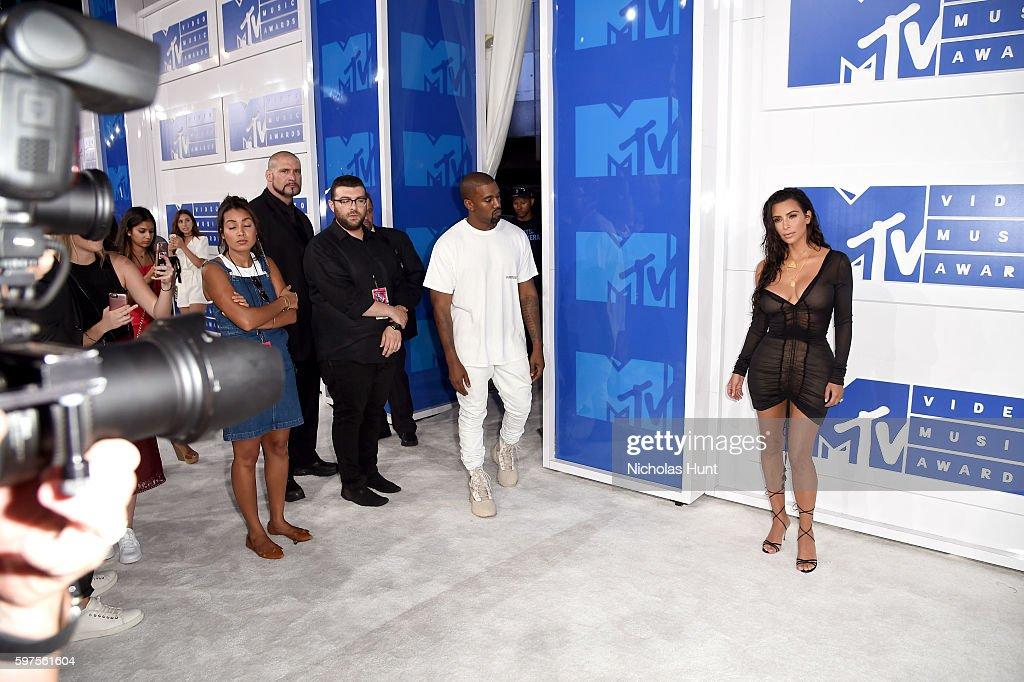 2016 MTV Video Music Awards - Arrivals : Nachrichtenfoto