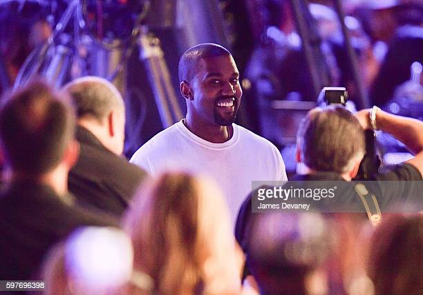 Kanye West arrives to the 2016 MTV Video Music Awards at Madison Square Garden on August 28 2016 in New York City