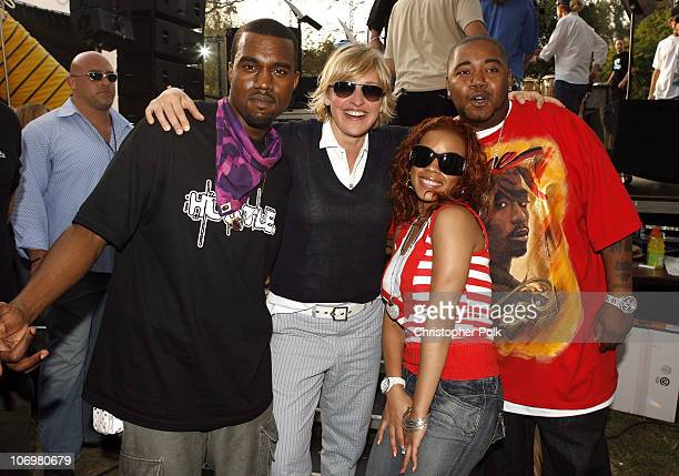 Kanye West Ellen DeGeneres Keyshia Cole and Twista pose backstage