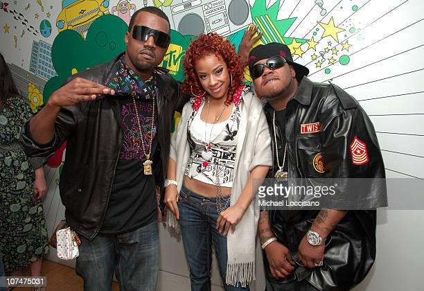 Kanye West Keyshia Cole and Twista during Kanye West Jeremy Piven Nelly Furtado Keyshia Cole and Twista Visit MTV's TRL May 3 2006 at MTV Studios...