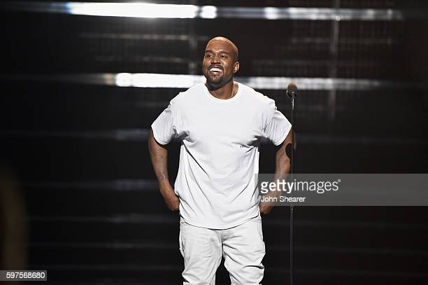 Kanye West performs at the 2016 MTV Music Video Awards at Madison Square Gareden on August 28 2016 in New York City
