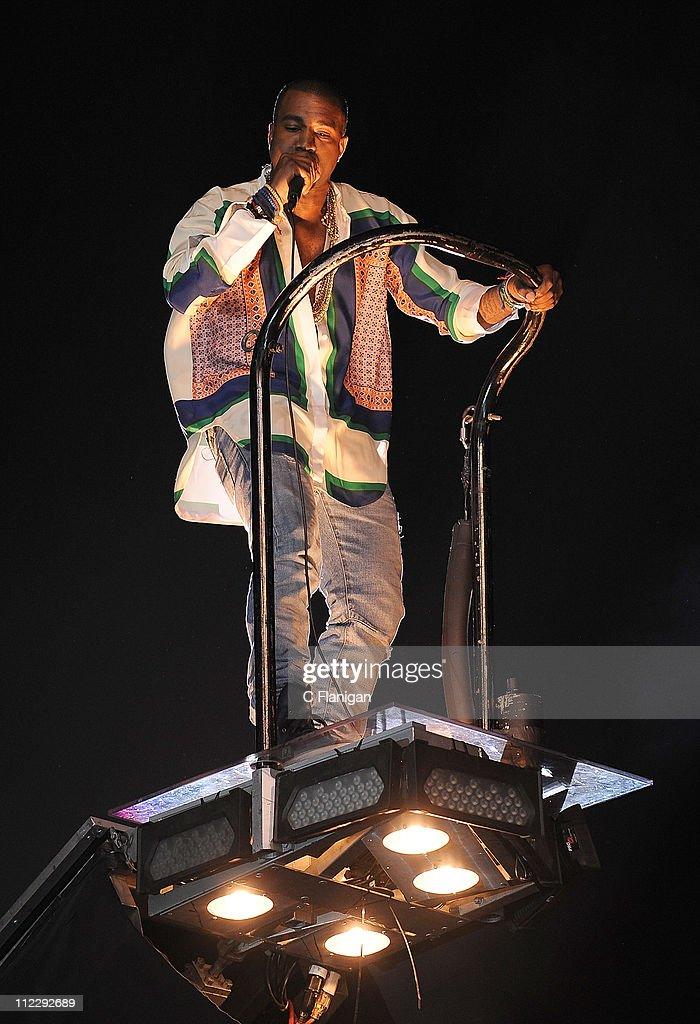 2011 Coachella Valley Music & Arts Festival - Day 3 : News Photo