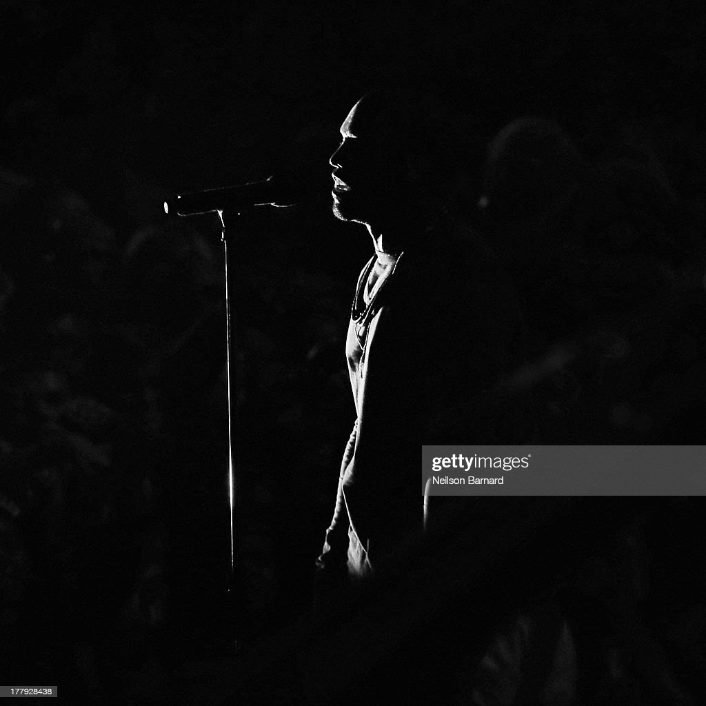 Kanye West performs on stage during the 2013 MTV Video Music Awards at the Barclays Center on August 25, 2013 in the Brooklyn borough of New York City.