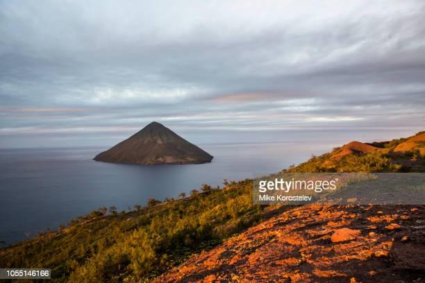 kao volcano, tonga - tonga stock pictures, royalty-free photos & images