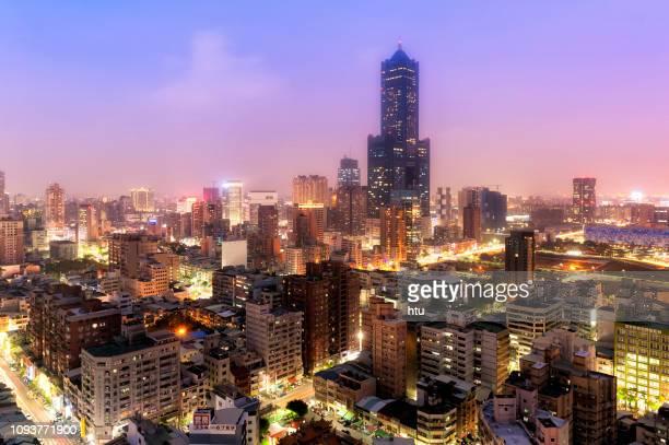 kaohsiung city night view - york yorkshire del norte fotografías e imágenes de stock