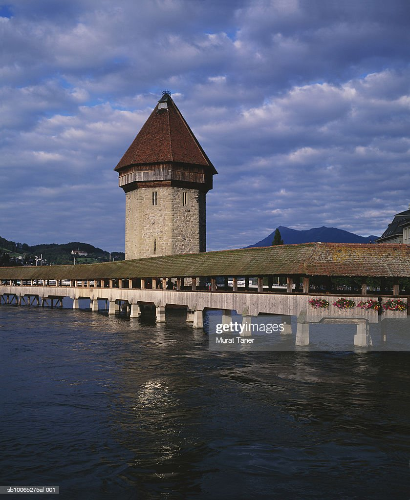 Kapellbrucke (Chapel Bridge) and the water tower : Foto stock