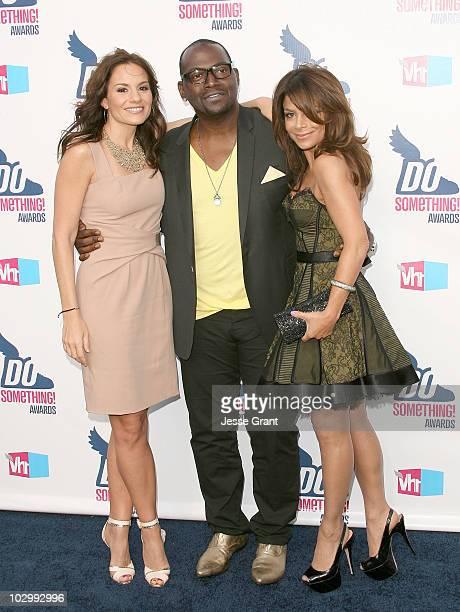 Kara DioGuardi, Randy Jackson and Paula Abdul arrive at the 2010 VH1 Do Something! Awards held at the Hollywood Palladium on July 19, 2010 in...
