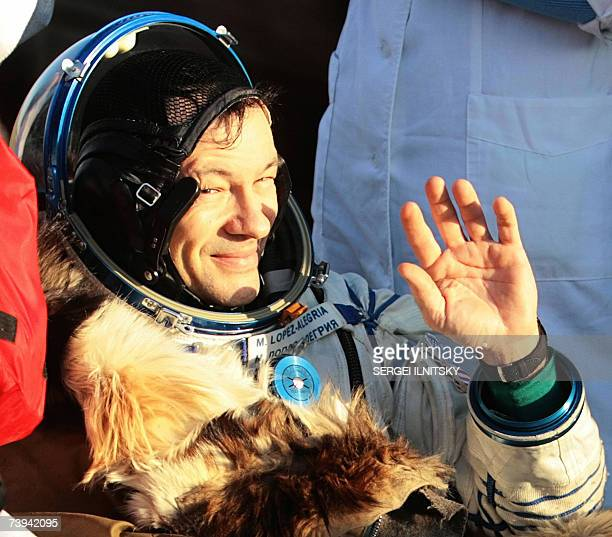 US astronaut Michael LopezAlegria waves shortly after the landing of Russian Souyz TMA9 space capsule in Steppe about 500km southwest from Kazakh...
