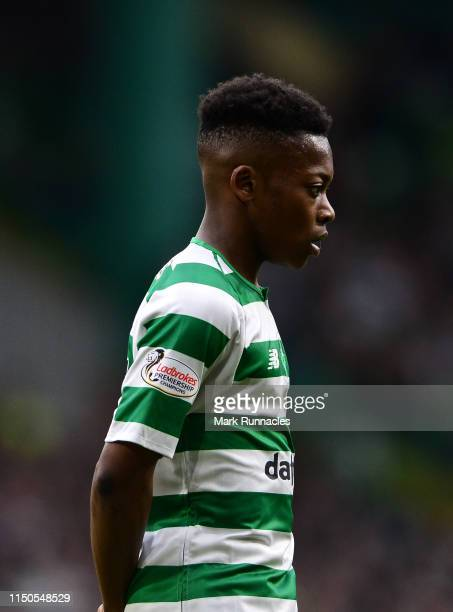 Karamoko Dembele of Celtic in action during the Ladbrokes Scottish Premiership match between Celtic FC and Heart of Midlothian FC at Celtic Park on...