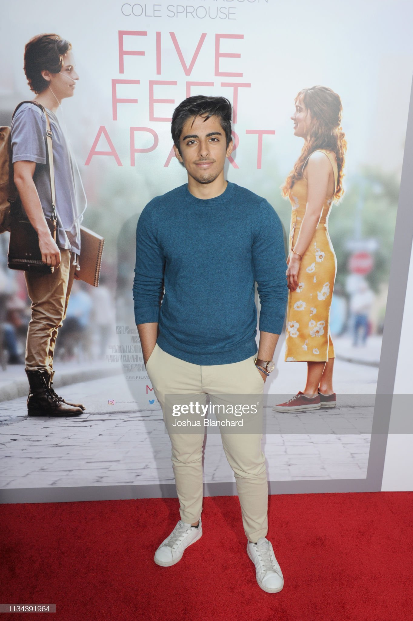 ¿Cuánto mide Karan Brar? - Altura - Real height Karan-brar-attends-the-five-feet-apart-los-angeles-premiere-on-march-picture-id1134391964?s=2048x2048