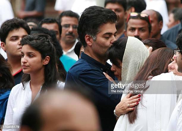 Karan Johar at the cremation of Priyanka Chopra's father Ashok Chopra at Oshiwara crematorium