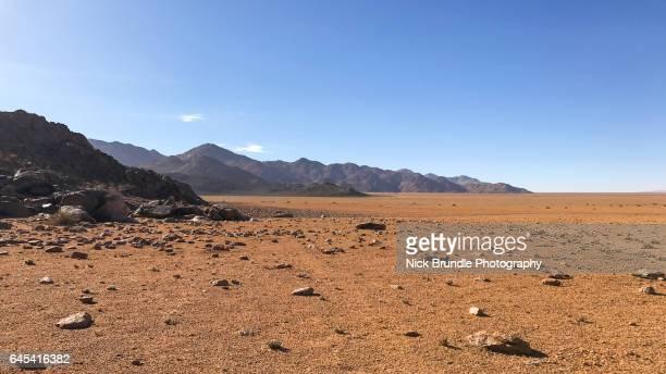 karas, namibia - trockenlandschaft stock-fotos und bilder