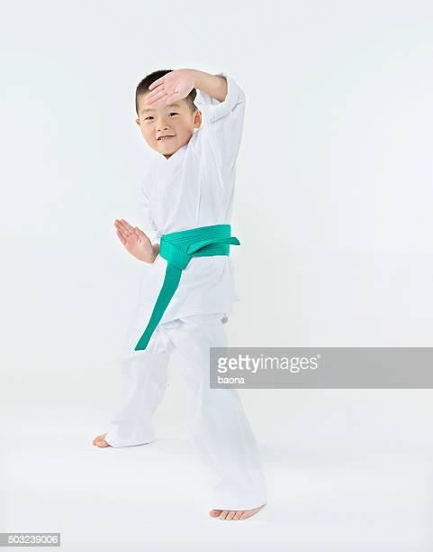 Karate boy Posieren