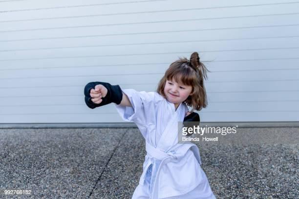 karate kids - frauenpower stock-fotos und bilder