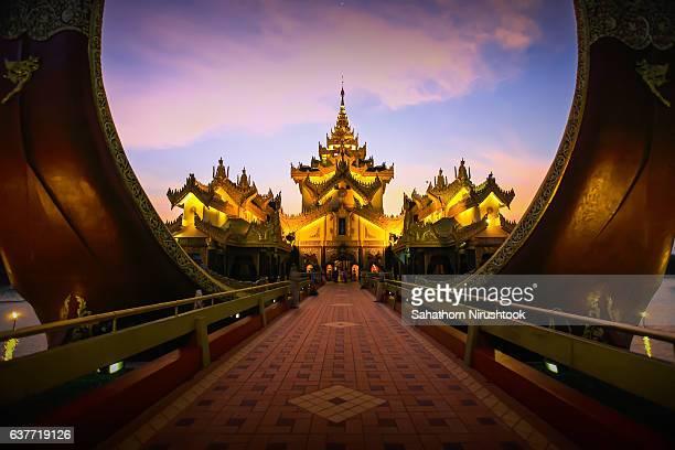 karaweik palace (yangon, myanmar) - myanmar stock pictures, royalty-free photos & images