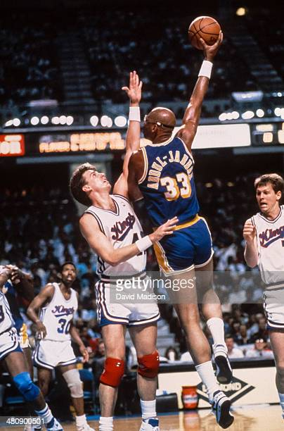 Kareem Abdul Jabbar of the Los Angeles Lakers shoots a skyhook shot during an NBA game against the Sacramento Kings played on March 23 1989 at Arco...