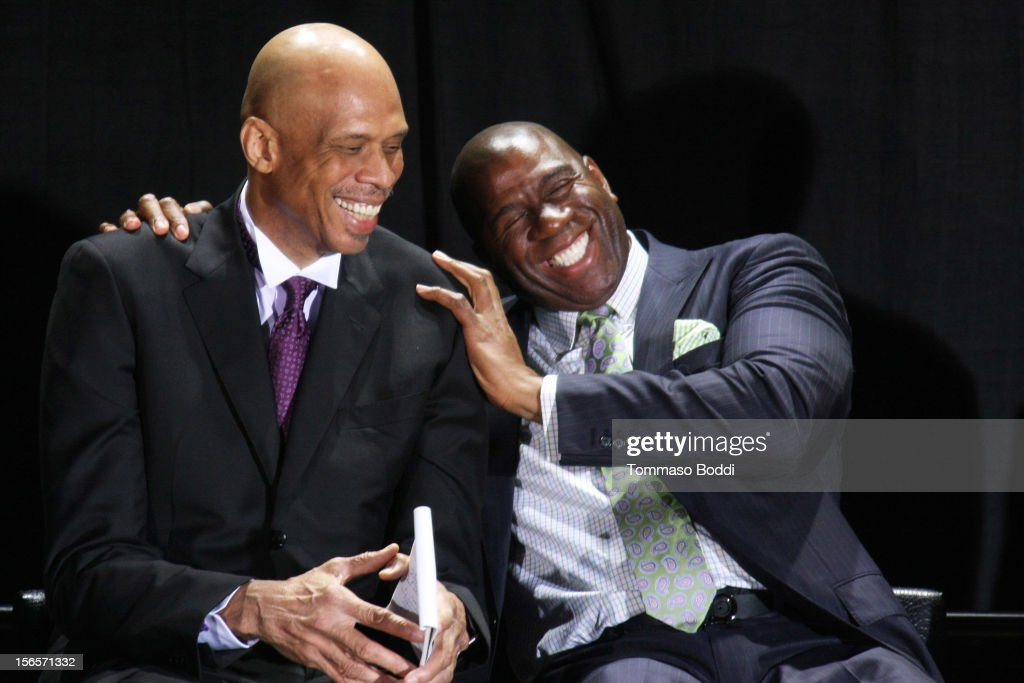 Kareem Abdul-Jabbar Statue Unveiling At Staples Center : Nachrichtenfoto