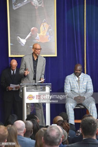Kareem AbdulJabbar gives a speech during the Los Angeles Lakers unveiling of the Shaquille O'Neal statue during an event on March 24 2017 at STAPLES...