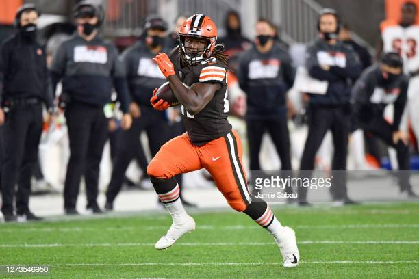 Kareem Hunt of the Cleveland Browns in action against the Cincinnati Bengals at FirstEnergy Stadium on September 17, 2020 in Cleveland, Ohio.