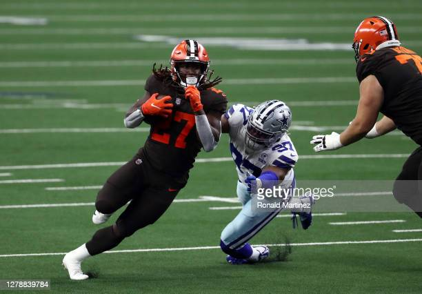 Kareem Hunt of the Cleveland Browns in the second quarter at AT&T Stadium on October 04, 2020 in Arlington, Texas.
