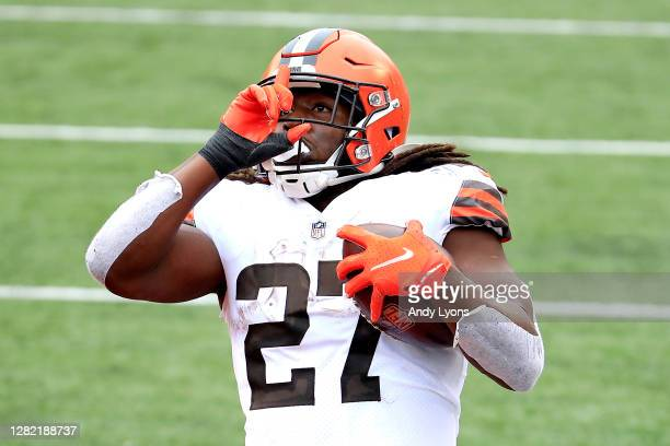 Kareem Hunt of the Cleveland Browns scores an eight-yard touchdown reception against the Cincinnati Bengals during the second half at Paul Brown...