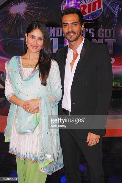 Kareena Kapoor and Arjun Rampal on the sets of the show India's Got Talent in Mumbai on August 23 2010