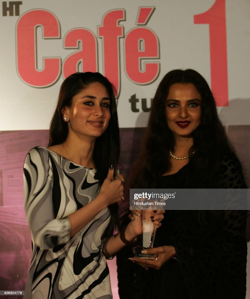 Kareena Kapoor and Rekha Kareena Kapoor wins the Best Actress Award for Jab We Met at HT Cafe Awards