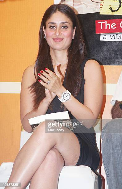 Kareena Kapoor at the launch of '3 idiots Book The Original Screenplay' by Om book international in Mumbai on June 7 2010