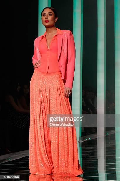 Kareena Kapoor showcases designs by Namrata Joshipura on the runway during day five of Lakme Fashion Week Summer/Resort 2013 on March 26, 2013 at...