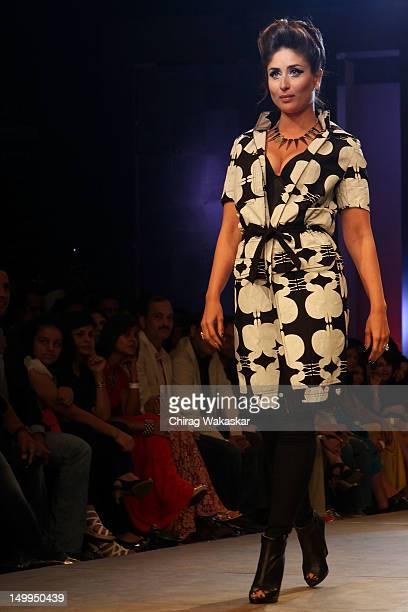 Kareena Kapoor walks the runway at the Kallol Datta show at The Grand Finale of The Lakme Fashion Week Winter/Festive 2012 day 5 at the Grand Hyatt...
