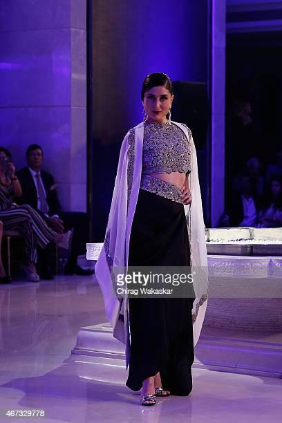 Kareena Kapoor walks the runway during the Anamika Khanna Grand Finale show on day 5 of Lakme Fashion Week Summer/Resort 2015 at Palladium Hotel on...
